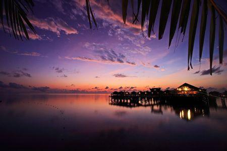 夜明け、マレーシア ・ サバ州における Mabul の島リゾート 写真素材