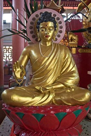 bronzy: Golden Buddha Statue Stock Photo