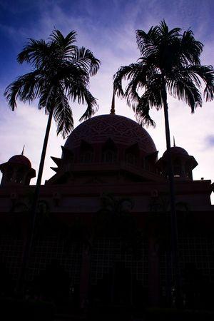 congregational: Putrajaya mosque in Kuala Lumpur, Malaysia.