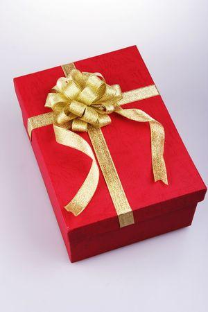 빨간색 선물 상자 리본입니다. 스톡 콘텐츠 - 601220