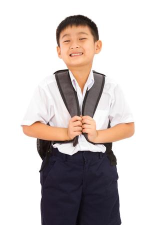 ni�o con mochila: Ni�o peque�o asi�tico escuela con el morral en el fondo blanco
