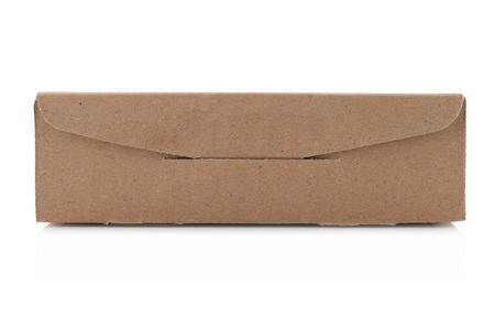 Pappkarton isoliert auf weißem Hintergrund mit Clipping-Pfad