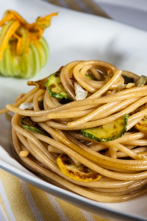 Vegetarian spaghetti with green courgette