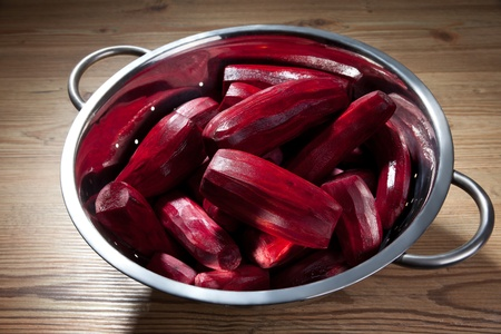 sliced: Sliced beetroot in a bowl