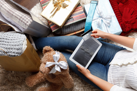 shopping order: Woman shopping online at Christmas