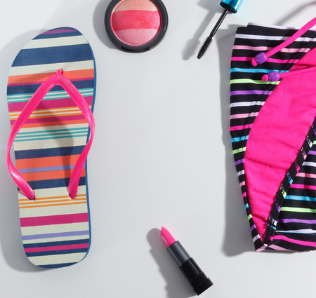 Close-up van trendy beach wear set