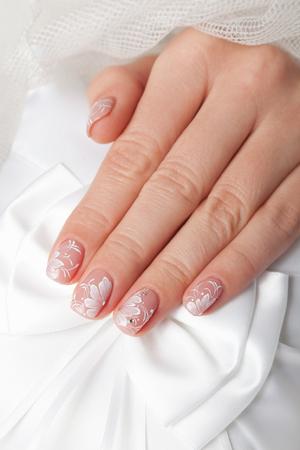 Close-up van mooie gemanicureerde nagels Stockfoto - 78016404