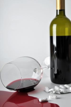 alcoholismo: el alcohol y las pastillas