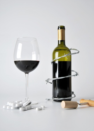 alcohol and pills Stock Photo - 10284000