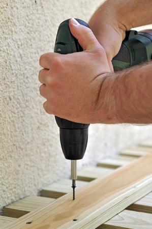 walling: screwing
