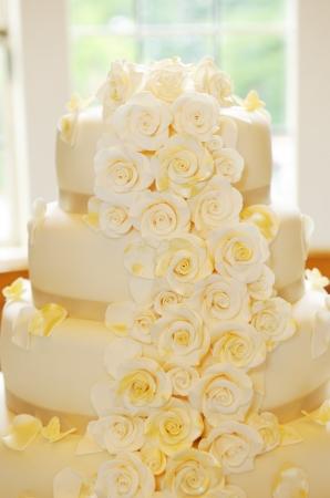Wedding cake closeup flower details photo