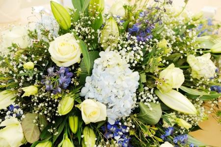 arreglo floral: Detalle del primer muestra de flores en la boda