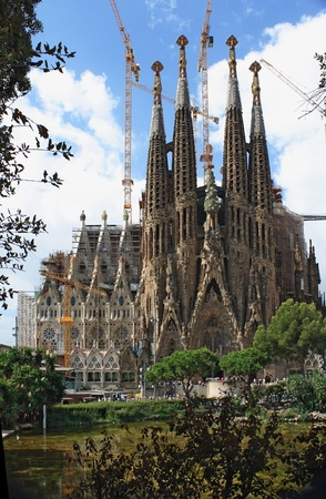 BARCELONA - AUGUST 31: Sagrada Familia cathedral on August 31, 2010 in Barcelona.
