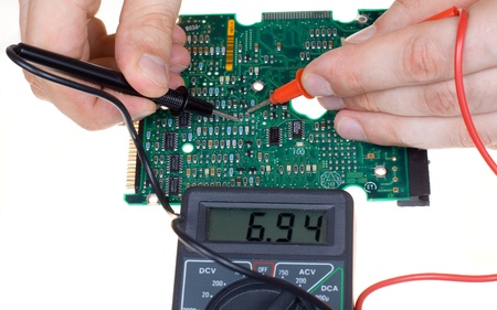 multimeter: PCB diagnostics and measurement by means of a multimeter