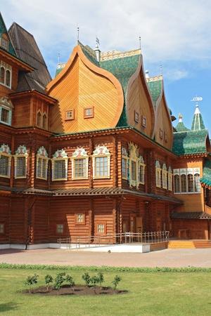 palacio ruso: Antiguo palacio tradicional rusa de madera en Kolomenskoye (Mosc�) Editorial