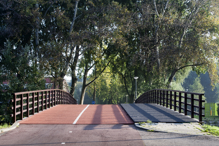 bicycle lane: Pedestrian trail and bicycle lane bridge
