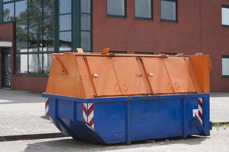 garbage bin: Lockable industrial garbage bin