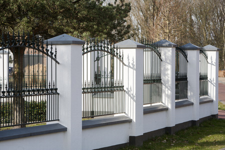 new classic: New classic fence, or white plaster and green metal, or a big house in the Netherlands.