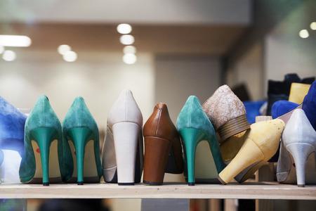 shoe store: Tacones altos en la tienda de zapatos
