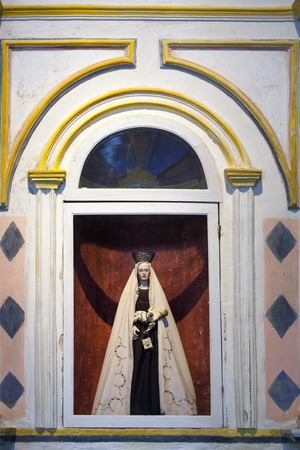 virgen maria: Estatua de la madre Mar�a en la iglesia catedral de Santa Mar�a de Betancuria en Fuerteventura
