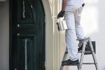 Primer plano, profesional, casa, pintor, pintura, cepillo