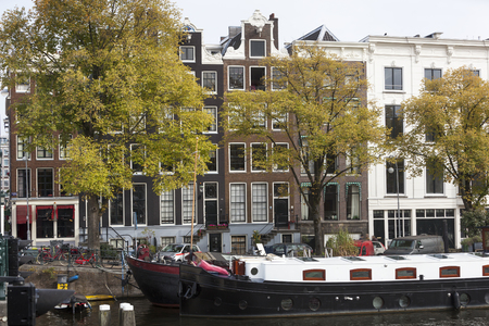 canal houses: Vintage houseboats and canal houses in Amsterdam