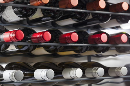 Storage of quality wine bottles with screw caps in a wine rack