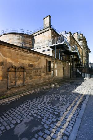 Old vintage industrial building in Edinburgh Stockfoto