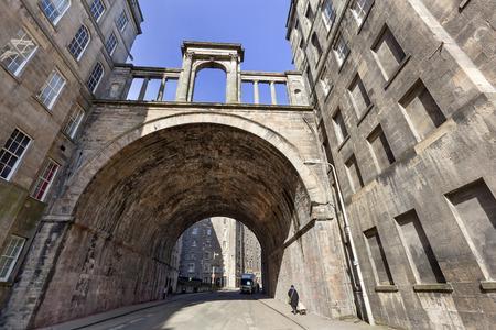 Old vintage Carlton street and viaduct in Edinburgh Stockfoto