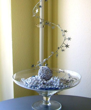 skein: spectacle of pearls and stars with a glass