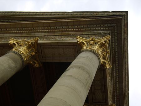 pilasters: pilasters of the Kunsthalle, (Art Gallery) Budapest, Hungary