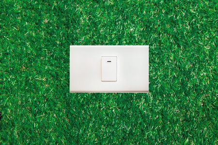 switch on the light: concepto ecol�gico, el interruptor de luz