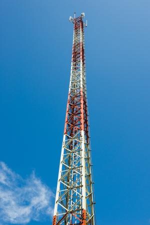 electromagnetic radiation: Transmitter mast