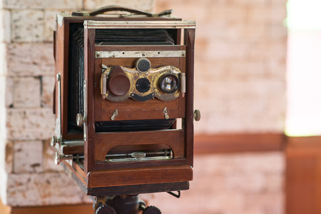 viewfinder vintage: Antique Old photo Camera