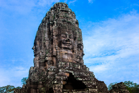 prasat bayon: Prasat Bayon with smiling stone faces is the central temple of Angkor Thom Complex, Siem Reap, Cambodia. Ancient Khmer architecture and famous Cambodian landmark, World Heritage. Editorial