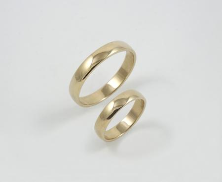 weddingrings: Golden wedding-rings Stock Photo