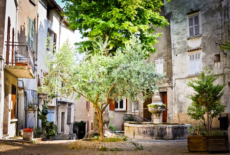 Reinesse Square and fountain in Flayosc Provence