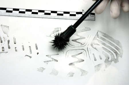 organized crime: Disclosure of trail - shoe print