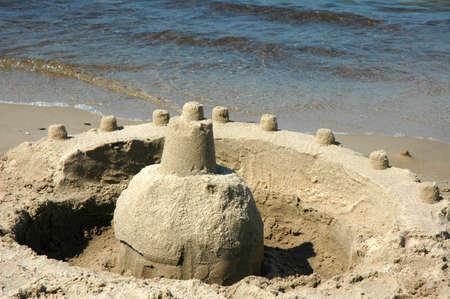 chateau de sable: Ch�teaux de sable sur la plage de sable