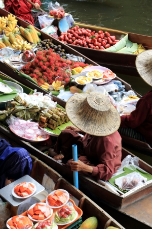 Floating Market at Damnoen Saduak Thailand