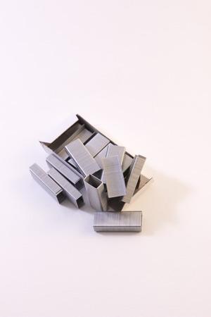 stapler: grapadora suministros tecnológicos grapadora plata de primera necesidad