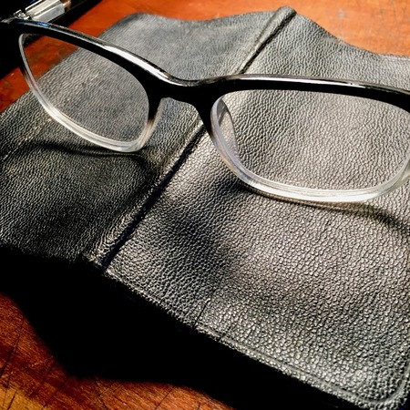 vintage spectacles and notebook Reklamní fotografie