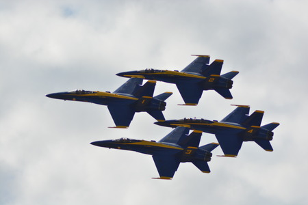 Blue Angels in a flyby!!! 写真素材 - 101774209