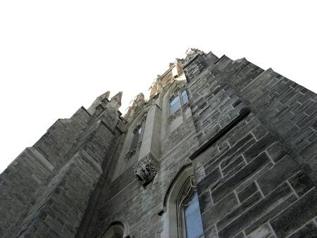 Perspektywa widzenia historycznego kościół murowany izolowanych przeciwko białym tle Zdjęcie Seryjne