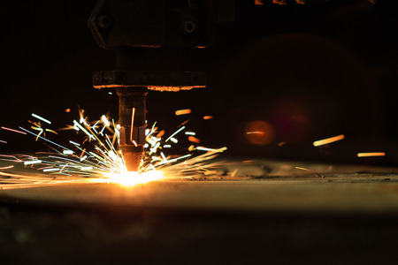 construction tools: Flame cutting process by plasma cutting machine
