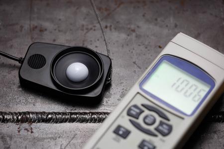 light meter sensor test on weld specimen