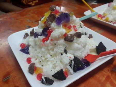ice crushed: Koud gemalen ijs met Jelly en Biscuit