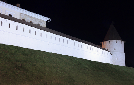 kazanskiy: KAZAN, RUSSIA - SEPTEMBER 16, 2014: The walls of the Kazan Kremlin at night