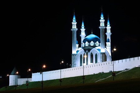 namaz: Kul-Sharif mosque in Kazan Kremlin at night in the light of the lanterns