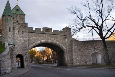 ufortyfikować: Quebec City - Brama w fortified ścianie Zdjęcie Seryjne